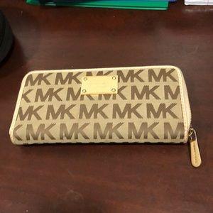 MK zipper wallet